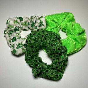 5 for $20:American Eagle St.Patty's Day scrunchies